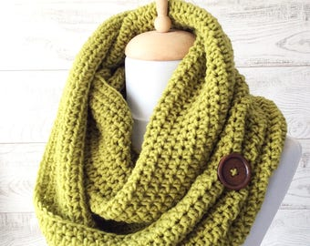 Knit scarfl, chunky scarf, knit chunky cowl, green scarf, fall winter accessories, knit cowl, christmas gifts / Many Colors / FAST  SHIPPING