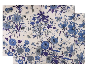 Blue and white floral Placemat WovenTextured Hemmed Edges,Waterproof Sturdy, Flexible.
