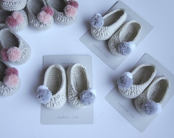 Slippers. Crochet baby shoes. Mary Jane shoes. Baby girl crochet shoes. Crochet ballerina. Baby shower gift. Scarpe crochet. Patucos.