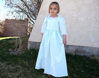Girls French Colonial, Hamilton, Schuyler Sisters, Eliza, Marie Antoinette, Mint Green American Colonial style taffeta gown, France, Size 6