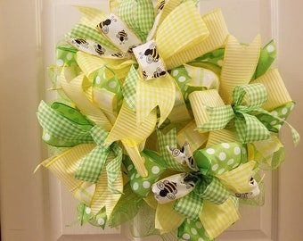 Bumblebees in Spring wreath