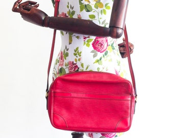 Vintage Louis Vuitton Trocadero red messenger and crossbody bag / epi leather