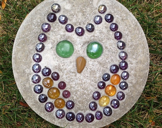 Concrete Garden Stones. Garden Stones With Natural Rocks Or