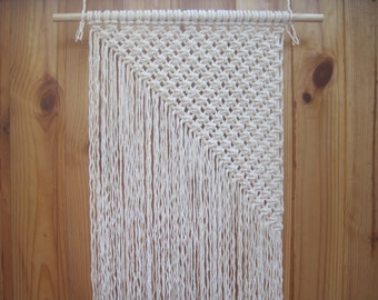 Macrame wall hanging Simple macrame Wall art Wall decor Modern macrame Weaving Woven wall hanging Boho Textile wall hanging Bohemian decor
