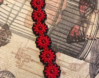 Red/Black Flower Shape Bead Bracelet