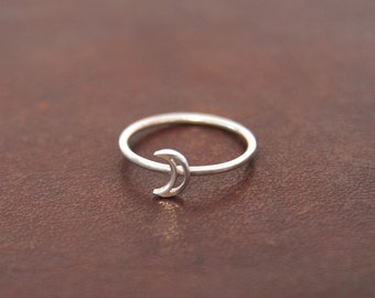 Silver Moon Ring, Dainty Moon Ring, Tiny Crescent Moon Ring, Dainty Sterling Silver Ring, Small Moon Ring, Boho Sterling Moon Ring