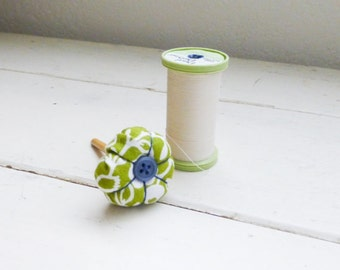 Fabric pincushion, pincushion green, spool pincushion, green pincushion, ready to ship, handmade, hand knit, small pincushion, quilting