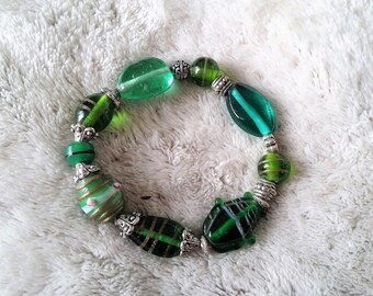 """Mint cordial"" glass beaded bracelet"