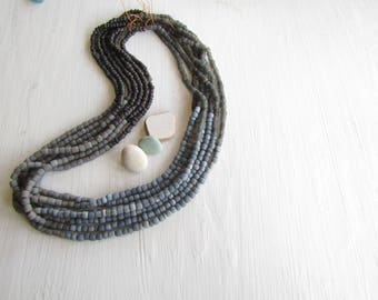 Small glass seed beads , 4 tones , grey charcoal tones, matte rustic  ethnic tube barrel, New Indo-pacific 3 to 6mm (21 inches strd) 7AB20-7