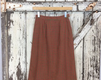 Vintage 1950s Green and Red Plaid Pencil Skirt Wiggle Size 9 Small 24 1/2 Waist
