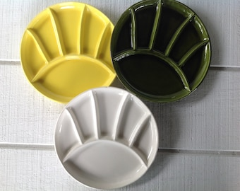 """3 Vintage 9.5""""  stoneware Fondue plates, Sushi plates, avocado green, yellow and white grill plates, Mid century pottery, divided plates"""