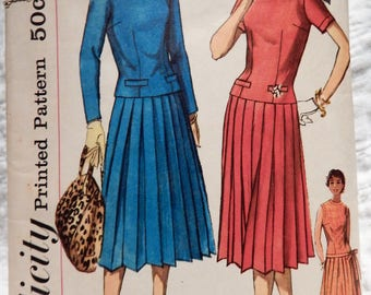 """Vintage 1950s Dress Pattern, dropped waist, pleated skirt // Simplicity 2257, size 11; 31.5"""" Bust"""