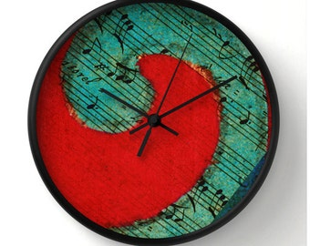 LIFESONG Made to Order round decorative wall clock, red teal turquoise black, musical notes