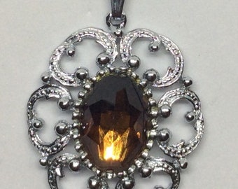 Vintage Pendant Necklace, with a Brown Rhinestone