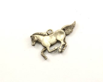 Vintage Beautiful Horse Pendant 925 Sterling  PD 989