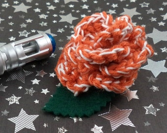 Donna Noble - Crocheted Rose Hair Clip - Orange and White (SWG-HC-DWDN01)