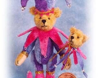 Narr Bär mit Spielzeug Miniatur Teddy Kit - Muster - von Emily Landwirt