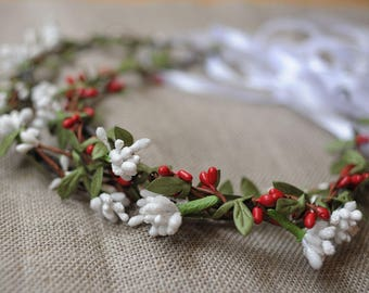 Woodland wedding flower circlet green leaf white red flower tiara rustic circlet flower vine flower crown white halo hair wreath floral halo
