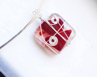 sea glass in resin pendant (many colours available)