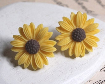 Sunflower earrings - Yellow Daisy Stud Earrings or Clip on Earrings for little girls Yellow Flower Studs Girls Clip Bridesmaids clip E136