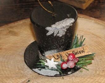 """Snowman Hat Ornament w/ """"Let It Snow"""" banner"""