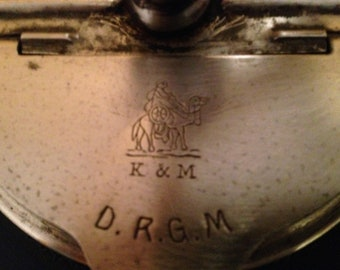Hand-painted antique coffee mill, by the German firm KYM kissing & Möllmann. Antique Coffee Grinder. Old Coffee Mill