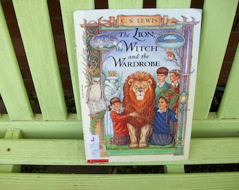 The Lion, the Witch and the Wardrobe - Graphic Novel