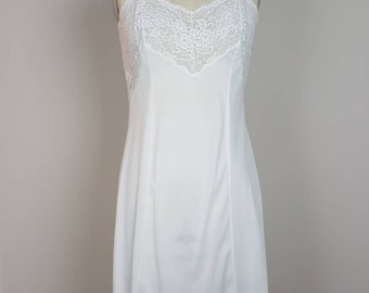 Lord and Taylor Wonder Maid White Full Slip - 36