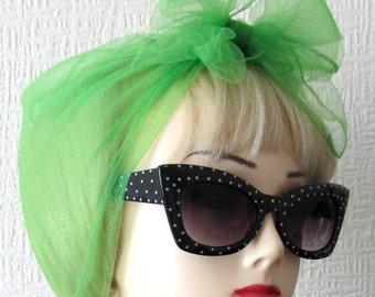 Chiffon Scarf in Green Vintage Nylon very Rockabilly, Pin Up. Deadstock 50s / 60s VLV