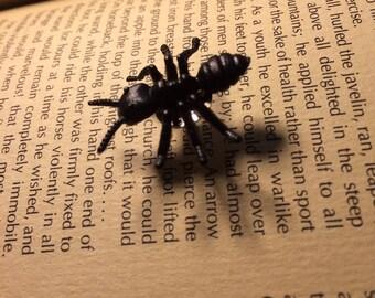 Ant Pin