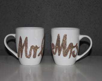 Set of 2 porcelain mugs, Mr & Mrs