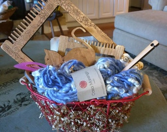 Perfect travel loom on the Go Set w/ Handspun  Art Yarn in shades of Blue