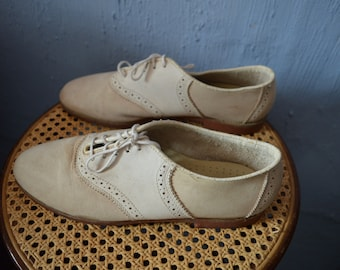 1940s/50s styled American bass brand saddle shoes-size 9.5 U.S