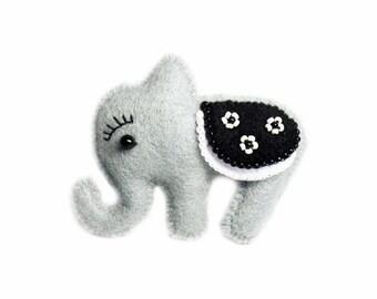 Felt elephant brooch ELYOT