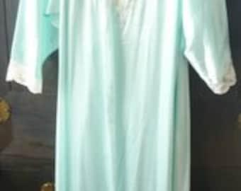 Vintage Natori Gown and Robe Set