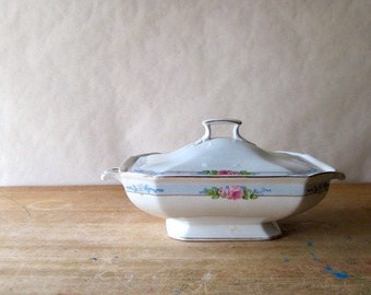Antique Ironstone, J & G Meakin Ironstone, Meakin Ironstone, Covered Casserole, Vegetable Dish, Vintage Ironstone, White Casserole, Antique
