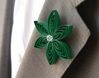 Green Homecoming Boutonniere, Prom Boutonniere Keepsake, Emerald Quinceanera Buttonhole, Mens Buttonhole Flower, Groom Flower Pin