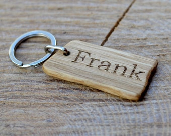 Personalised rustic wooden keyring / key chain fob - Engraved - Oak wood - Perfect gift