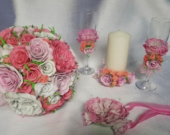 Wedding bouquet and accessories