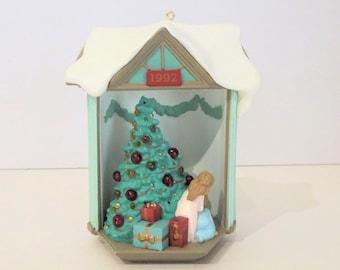 Look! It's Santa Light Up Hallmark Ornament