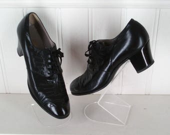 c1920/30's Leather Brogue Lace Up Shoes Black Size 6 .  Vintage Walking Shoes .