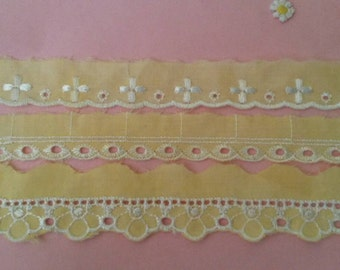 2 Yards YELLOW Lace Trim Scalloped Eyelet Lace Trim 1 inch Wide Polyester
