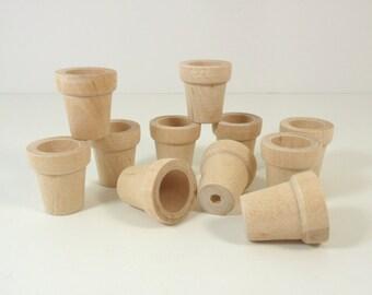 """Wood Flower Pots 1 1/16"""" H (26mm) Miniatures - 25 Pieces"""