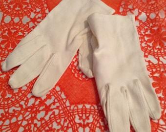 White Gloves - Vintage Ladies Gloves