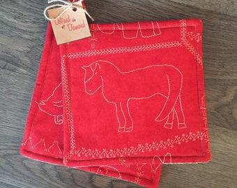 Red Farm Animal Pot Holder Set