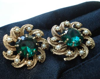 Vintage Emerald Rhinestone Pearl and Gold Clip Statement Earrings Sparkle