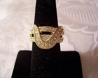 Size 10 Crystal Rhinestone Ring Gold Tone Vintage Wave Double Encrusted Bands