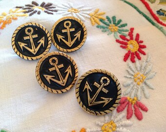 Four buttons vintage round gold tone black lacquer