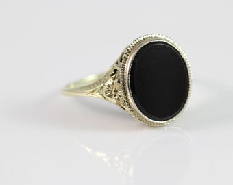Vintage 14k Yellow Gold Onyx Ring