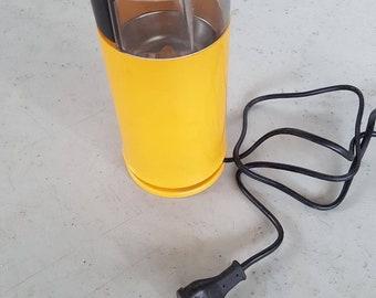 Braun electric coffee grinder - type 4041 - designed by Dieter Rams - 70s orange - minimalist design